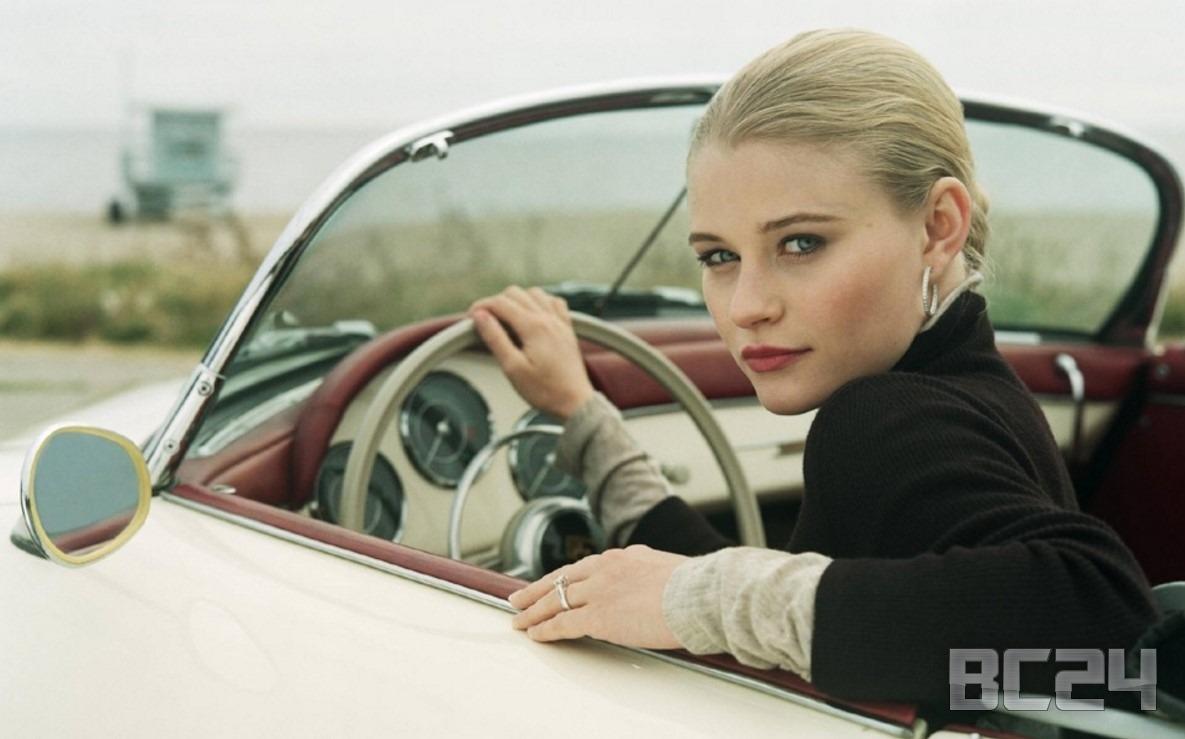девушка на авто