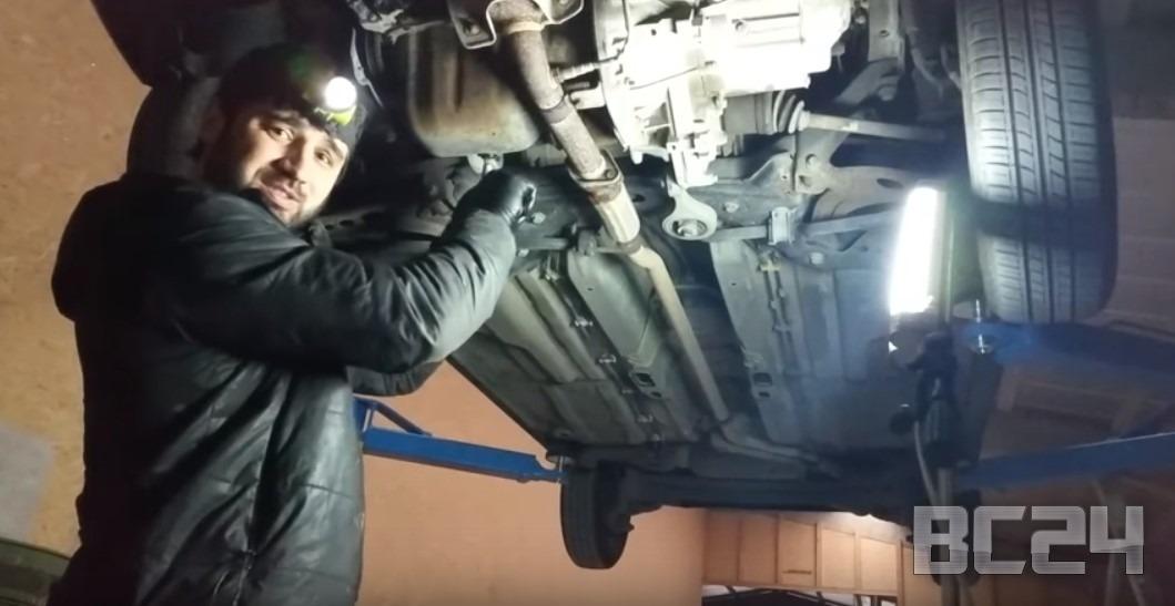Как правильно менять масло в двигателе