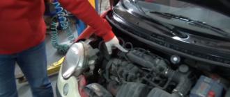 Почему двигатель глохнет при торможении